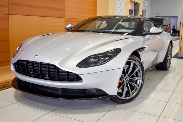 New 2018 Aston Martin Db11 V8 2d Coupe In North Olmsted Ajl04787