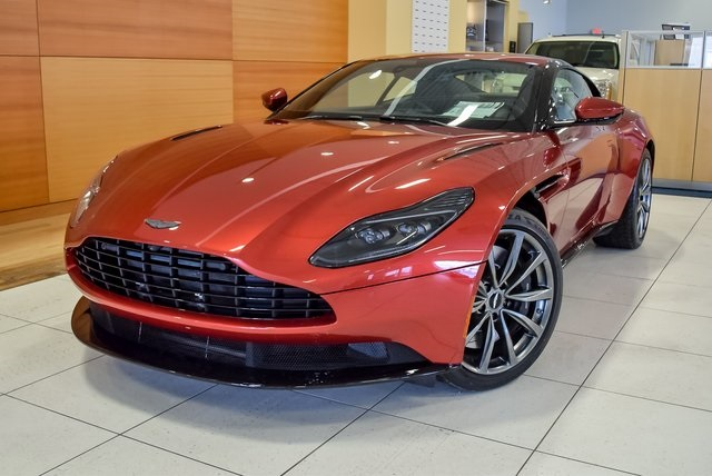 New 2018 Aston Martin Db11 V8 2d Coupe In North Olmsted Ajl04291