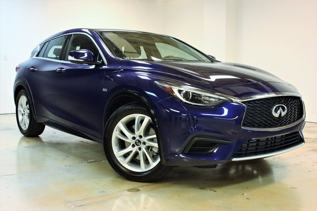 New 2018 Infiniti Qx30 Base 4d Sport Utility In Coral