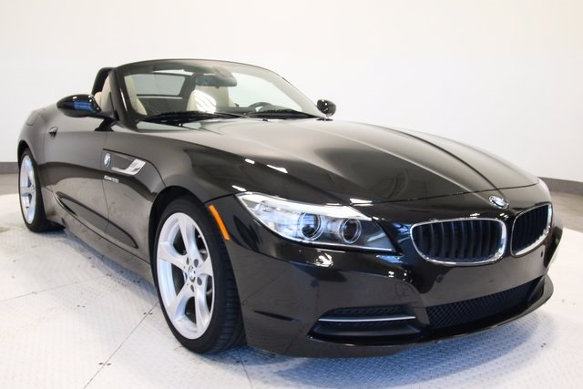 PreOwned 2015 BMW Z4 sDrive28i 2D Convertible in Fort Mitchell